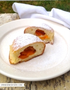 Czech 'buchta' with apricots
